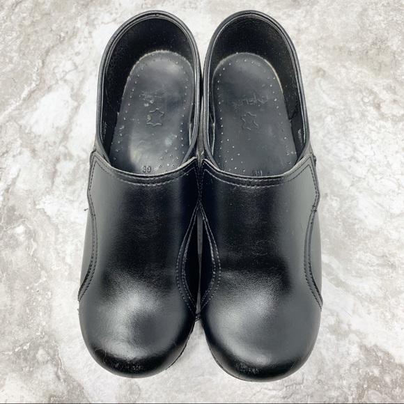 Dansko Shoes   Black Professional Clogs